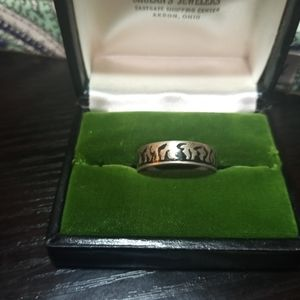 Men's silver flame ring